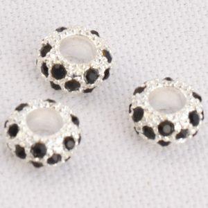 Perles avec des strass noir