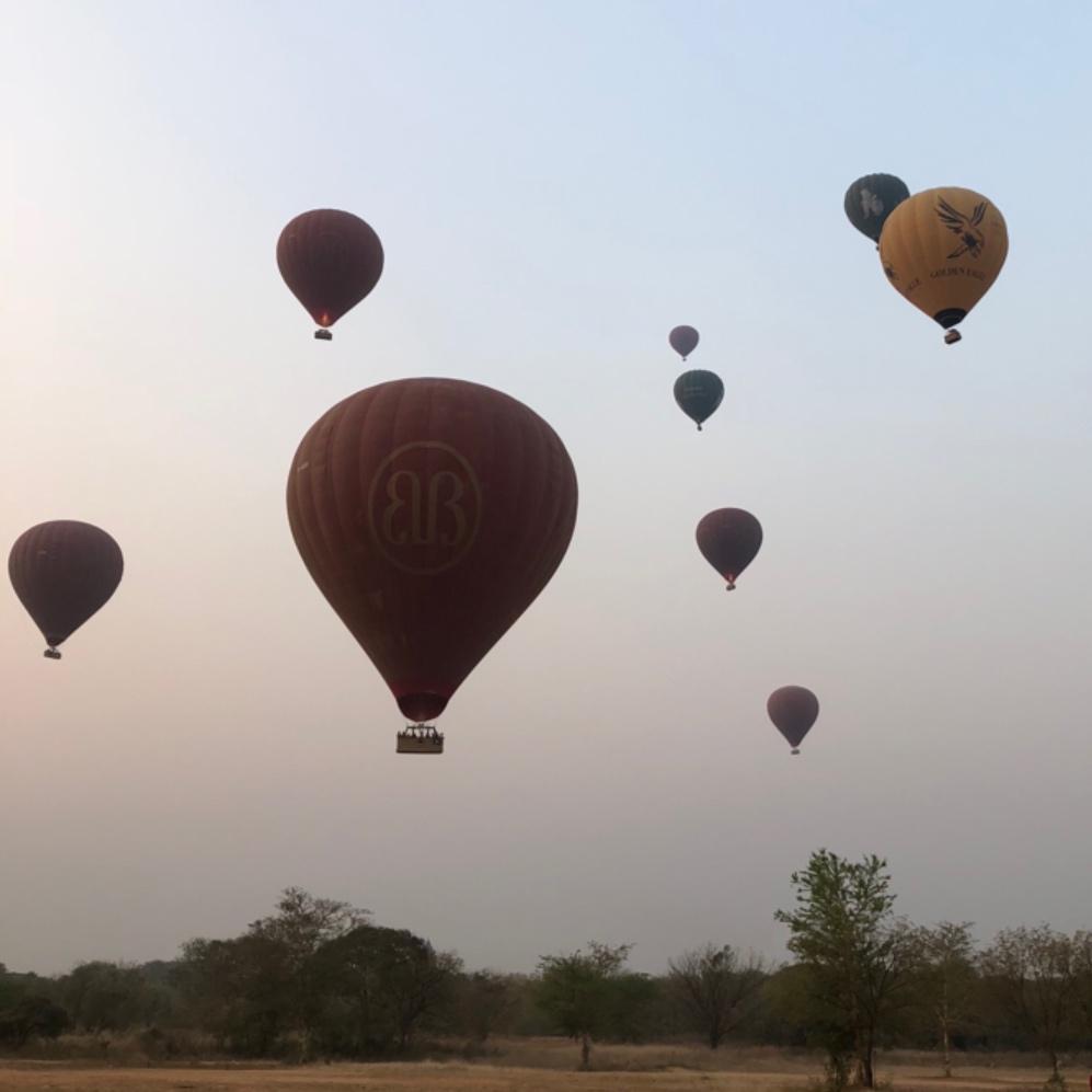 birmanie montgolfière