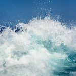 vague et mer déchaînée