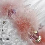 douceur de fourrure et rose tendre