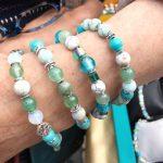 les bracelets porte-bonheur avec jade et turquoise