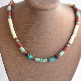 de ibiza à mykonos ce collier heishi et surf