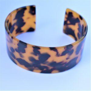 manchette leopard en résine