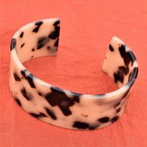 léopard en couleur de savane