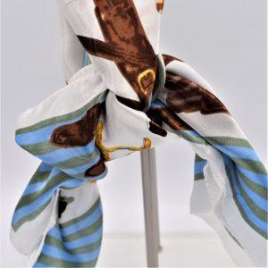 carré de foulard