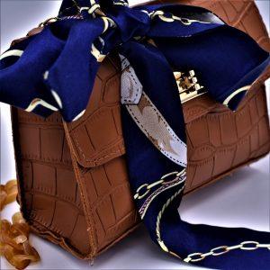 cravate chaines et étriers